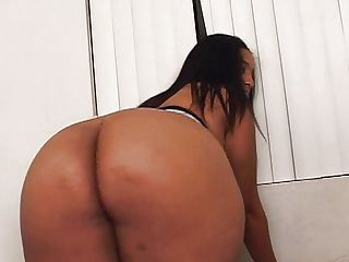 Cheyanne Foxxx POV thick girls get it